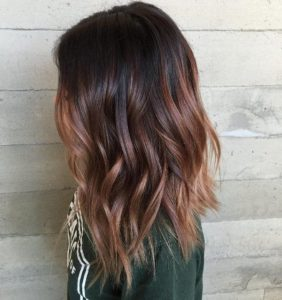 The technique of balayage and other incredible tones is also available for your dark hair with highlights!