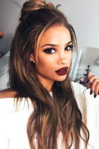 beautiful look with caramel highlights