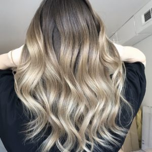 Let's enter in matter with the wonderful techniques for your hair with highlights