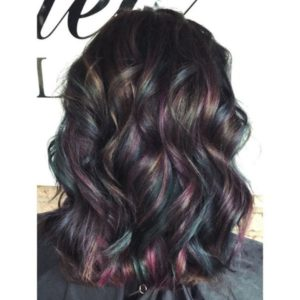 Techniques to try for your burgundy hair with highlights