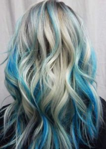 Will blonde hair look good with teal highlights