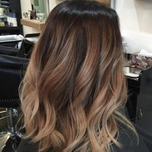 dimensional highlights with the balayage technique